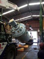 A dupla Ormig 45T e PK 100.000 removendo tanques em indústria química em Pindamonhangaba/SP.