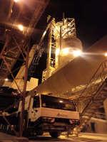 Serviço de urgência com o guindaste Tadano ATF 130