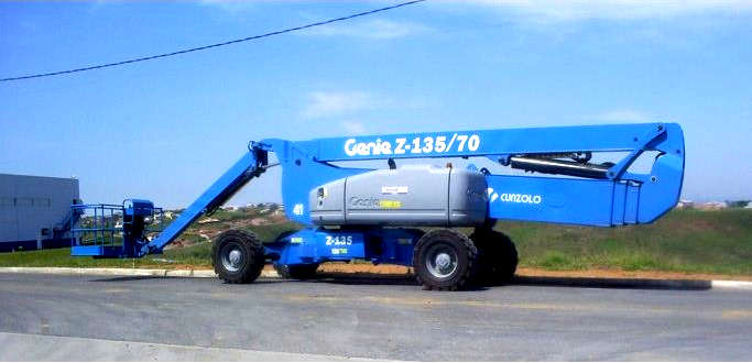 Plataforma com Lança Articulada Genie Z135/70