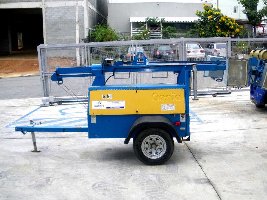 Ideal para locais de energia escassa ou sem energia. Fácil de montar, consegue bom alcance de iluminação.