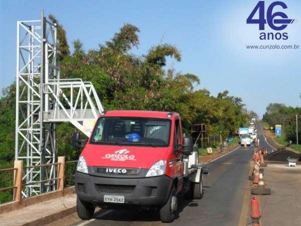 A Cunzolo realizou uma inspeção por toda a extensão de uma ponte de 435 metros de comprimento.Para esta operação, foi utilizado a plataforma sobre caminhão Barin, equipamento específico para inspeção em pontes.